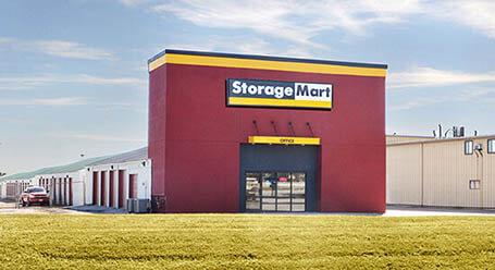 StorageMart en 465 SE Oldham Pkwy en Lees Summit Almacenamiento