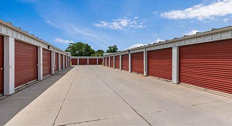 StorageMart en Army Post Road en Des Moines almacenamiento accesible en vehículo