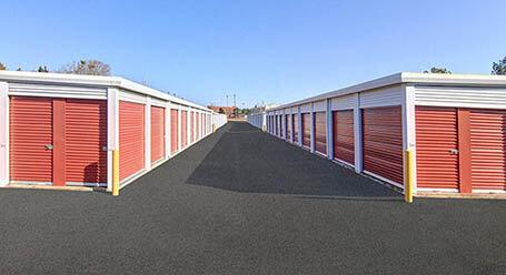 StorageMart en Atlanta Highway en Athens almacenamiento accesible en vehículo