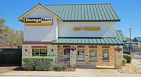 StorageMart en Bandera Road en Helotes Almacenamiento