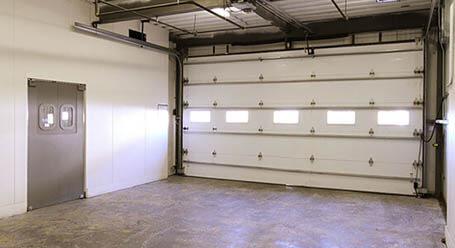 StorageMart en Cornhusker Highway en Lincoln Zonas de carga cubiertas