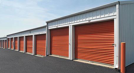 StorageMart en East US Highway 50 en Lees Summit almacenamiento accesible en vehículo