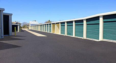 StorageMart en FM-1325 en Austin almacenamiento accesible en vehículo