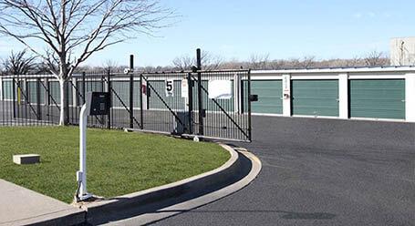 StorageMart en Frontage Road en Merriam Acceso privado