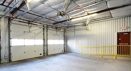 StorageMart en Grand Boulevard en Centro de Kansas-City Zonas de carga cubiertas