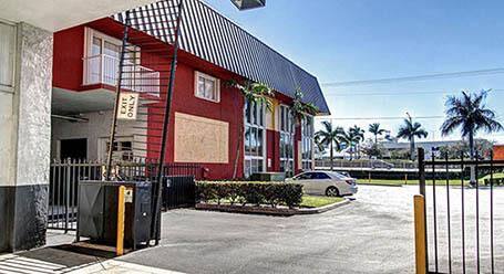 StorageMart en Griffin Road en Ft-Lauderdale Acceso privado