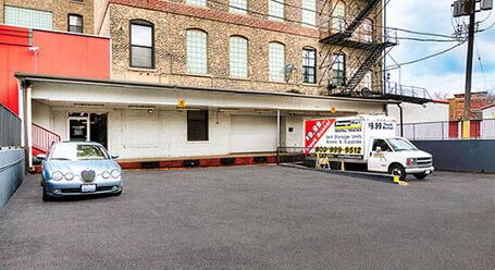 StorageMart en Halsted Street en Goose Island Zonas de carga cubiertas