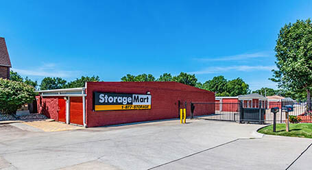 StorageMart en Hickman road en Windsor Heights almacenamiento