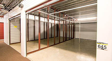 StorageMart en I St en Omaha almacenamiento interior