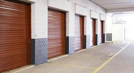 StorageMart en Lee Highway en Fairfax Zonas de carga cubierta