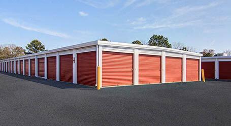 StorageMart en North Columbia Street en Milledgeville almacenamiento accesible en vehículo