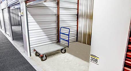 StorageMart en North Eola Road en Aurora almacenamiento interior