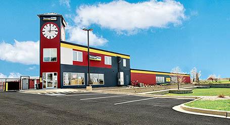 StorageMart en North Eola Road en Aurora Almacenamiento