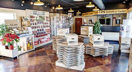 StorageMart en North Eola Road en Aurora instalación de almacenamiento