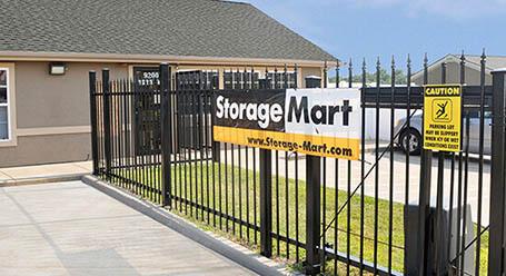 StorageMart en North Oak Trafficway en Kansas City Acceso privado