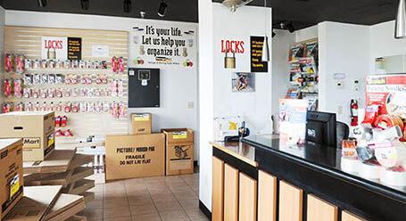 StorageMart en Olmos Drive en San Antonio instalación de almacenamiento