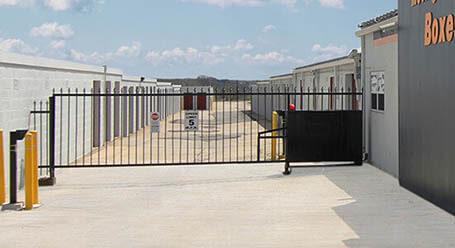 StorageMart en Paris Road en Columbia Acceso Privado