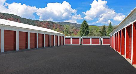 StorageMart en Park Avenue en Basalt Almacenamiento accesible en vehículo