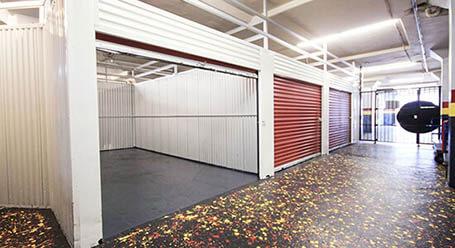 StorageMart en San Pablo Avenue en Oakland almacenamiento interior