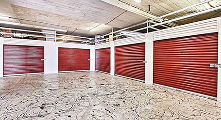 StorageMart en San Pablo Avenue en Oakland Zonas de carga cubiertas