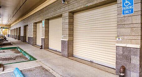 StorageMart en Soquel Drive en Santa Cruz Almacenamiento accesible en vehículo