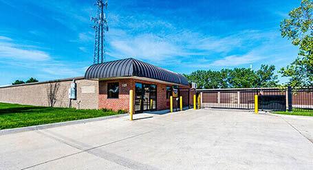 StorageMart en South 13th Street en West Des Moines acceso privado