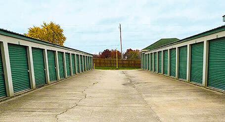 StorageMart en South 291 Highway en Independence almacenamiento accesible en vehículo