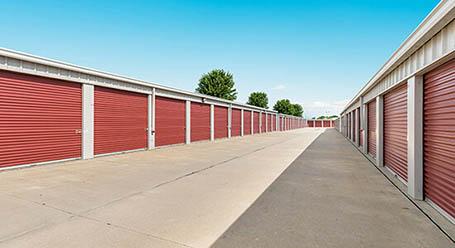 StorageMart en South Ankeny Boulevard en Ankeny almacenamiento accesible en vehículo
