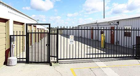 StorageMart en South Hub Drive en Independence Acceso privado