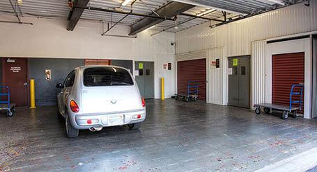 StorageMart en Southwest 16th avenue en Miramar Zonas de carga cubiertas