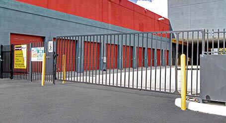 StorageMart en Southwest 40th street en Kindall Acceso privado