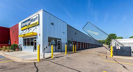 StorageMart en State Highway 169 Service Drive in North Plymouth Almacenamiento