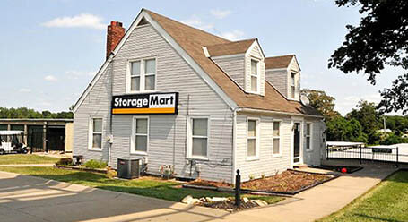 StorageMart en Stewart Road en Pleasant Valley almacenamiento
