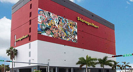 StorageMart en SW 2nd Ave en Downtown, Miami Almacenamiento