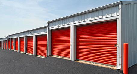 StorageMart en SW 37th St en Grimes almacenamiento accesible en vehículo
