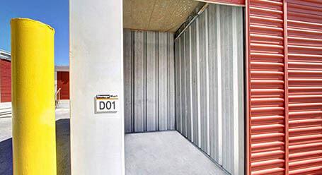 StorageMart en Third St en Key-West Almacenamiento accesible en vehículo