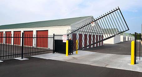 StorageMart en US Highway 40 en Blue Springs Acceso privado