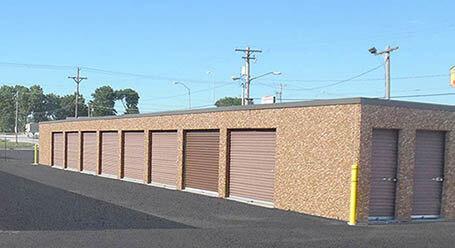 StorageMart en W O St en Lincoln almacenamiento accesible en vehículo