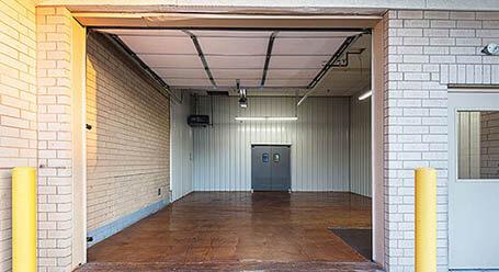 StorageMart en West 91st Street en Overland Park Zonas de carga cubiertas