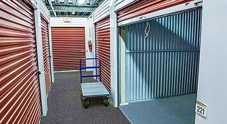 StorageMart en West North Ave en Lombard Control climático