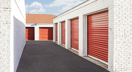 StorageMart en Winchester Road en Lexington Almacenamiento accesible en vehículo