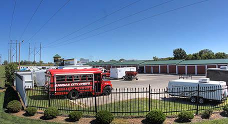 StorageMart en Wyandotte Street en Leawood Parqueo de barcos y RVs