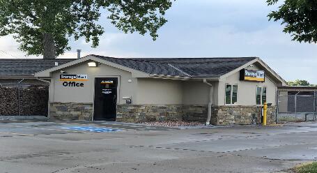 StorageMart en Irvington Rd en Omaha instalación de almacenamiento