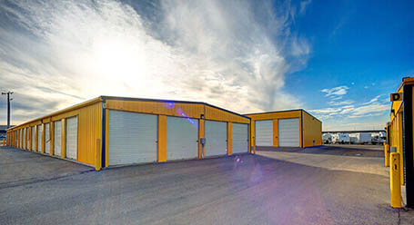 StorageMart on 115 Ave NW in Edmonton Drive-Up Units