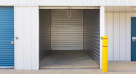 StorageMart on 127 St NW in Edmonton Self Storage Units