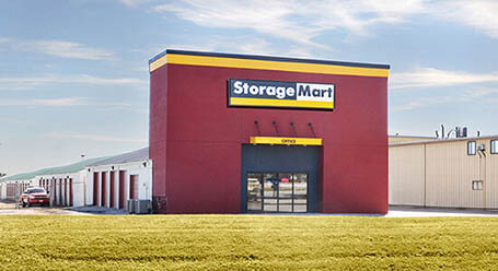 StorageMart on 465 SE Oldham Pkwy in Lees Summit Self Storage