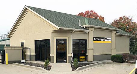 StorageMart en 953 Southeast Oldham Parkway en Lees Summit Almacenamiento