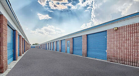 StorageMart on Alliance Rd in Pickering Drive-Up Units