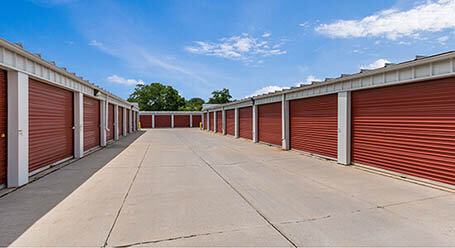 StorageMart on Army Post Road in Des Moines Drive-Up Units