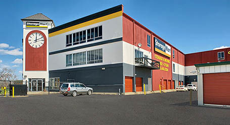 StorageMart on Butterfield Road in Hillside SLoading Bay